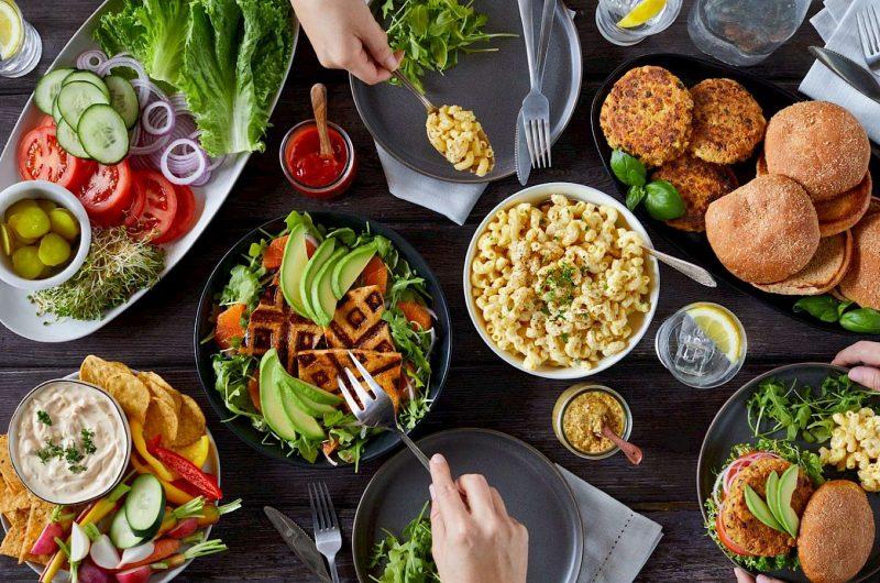 5 këshilla si të ushqehemi gjatë pushimeve