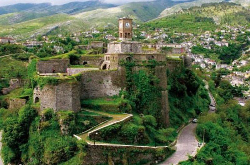 Shqipëria turistike, destinacioni i katërt për zviceranët. Për herë të parë në katalogët e udhëtimeve