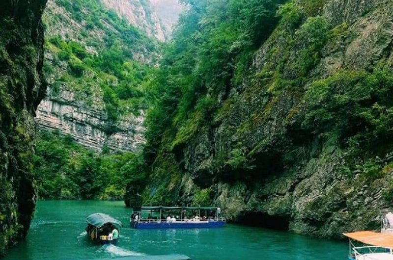 Mbi 3.3 milionë turistë vizituan Shqipërinë në 7 muaj, ja shtetet që kryesojnë
