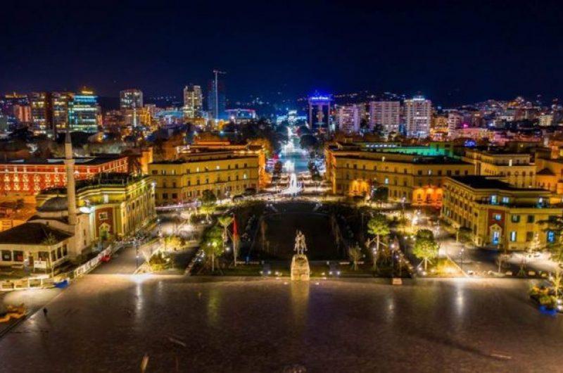 Rritet me 9,7% numri i të huajve që zgjedhin Shqipërinë për të jetuar e punuar