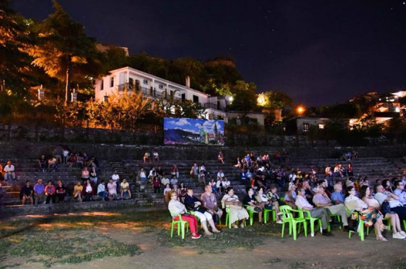 """""""Open Cinema"""" në Gjirokastër, ja filmat që do shfaqen në qytetin e gurtë"""