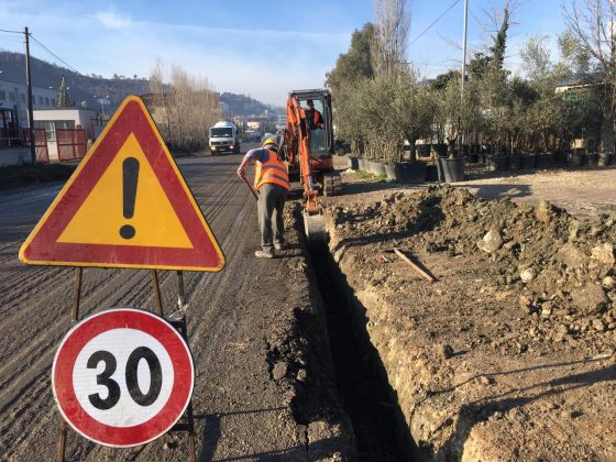 Nis puna për rehabilitimin e rrugës Kombinat-Vaqarr (FOTO)