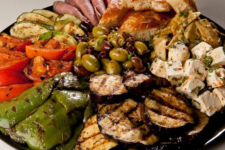 Regjimi i duhur për shëndetin e kockave, ja çfarë duhet të hani
