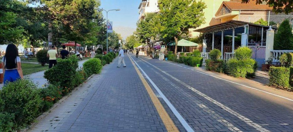 Korsia më e gjatë në Shqipëri,  Pogradec-Lin përshkohet me biçikleta (FOTO)