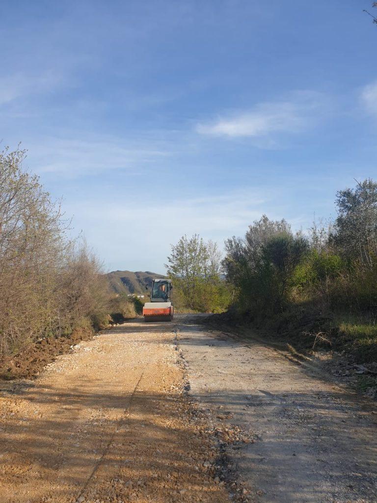 Nisin punimet për rikonstruksionin e rrugës Shkafanë-Lalëz-Ishëm (FOTOT)