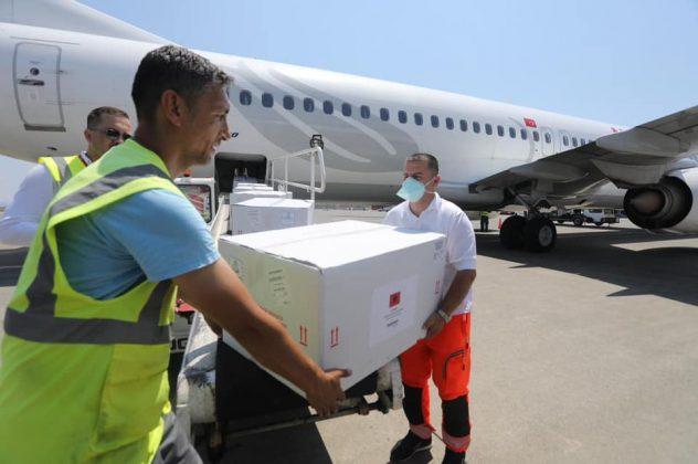 Mbërrijnë edhe 50 000 vaksina të tjera Coronavac në Shqipëri