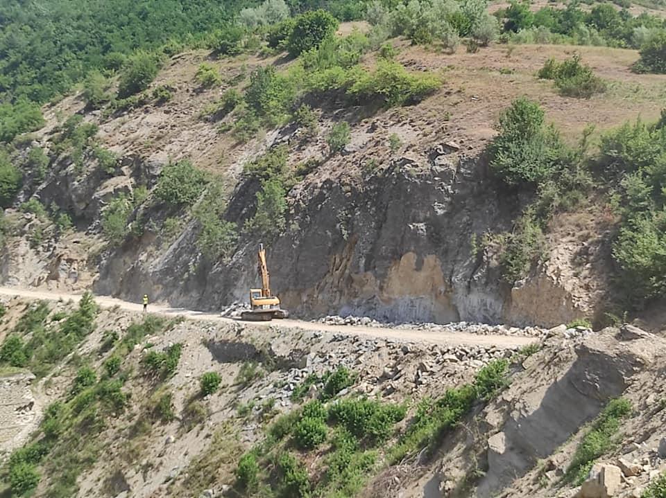 FOTO/ Rikonstruksioni i rrugës Miras-Arrëz, FSHZH informon mbi situatën aktuale të punimeve
