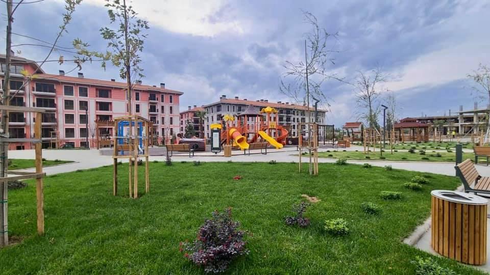 """FOTOT/ Laçi i """"ri""""! Gjithçka gati, shihni si duket lagjja e re"""